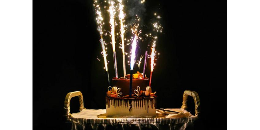 5 идей использования фонтанов в торт!